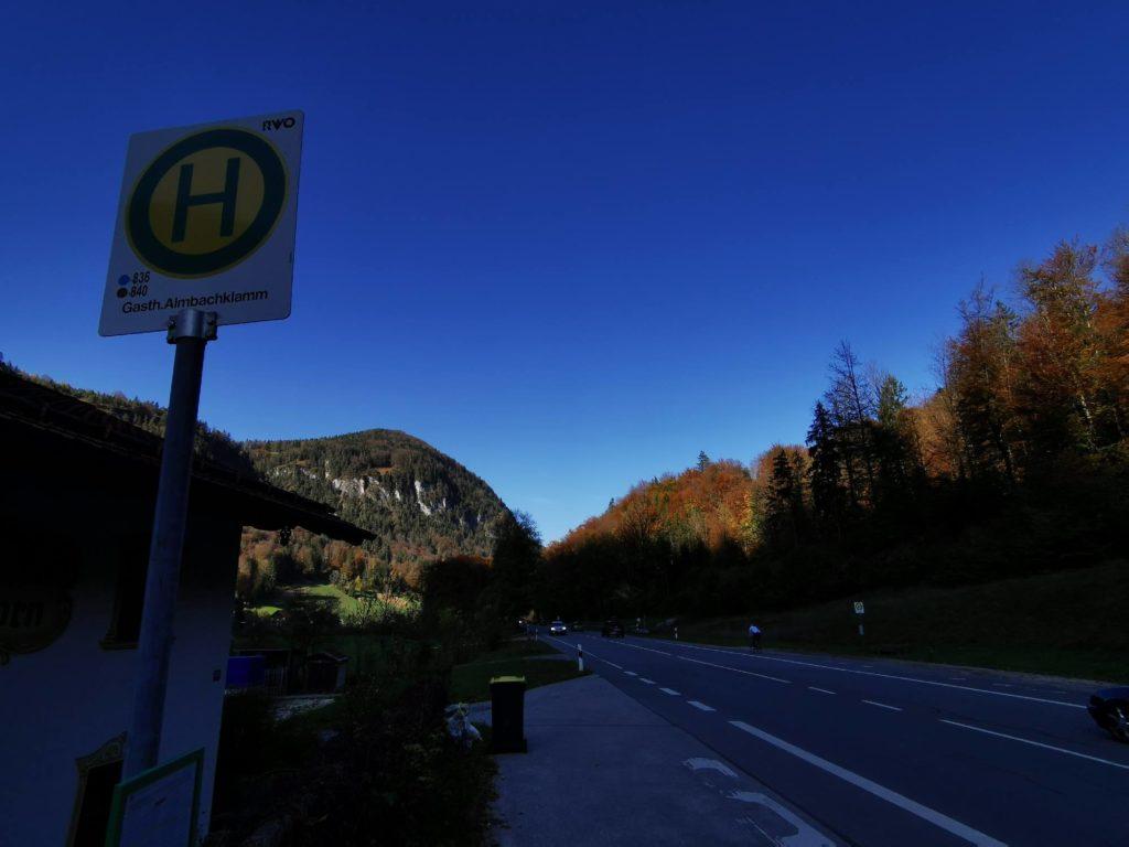 Almbachklamm Bus - zwei Bushaltestellen für deine Wanderung