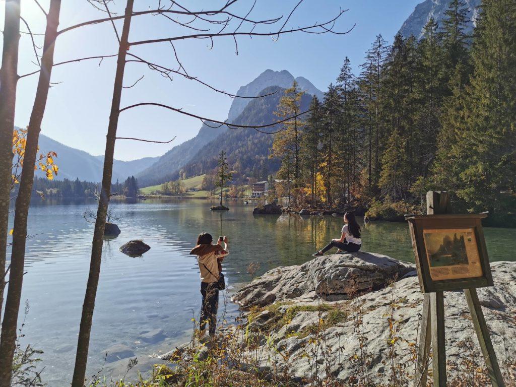 Berchtesgaden Sehenswürdigkeiten: Der Hintersee ist ein bekannter Fotospot
