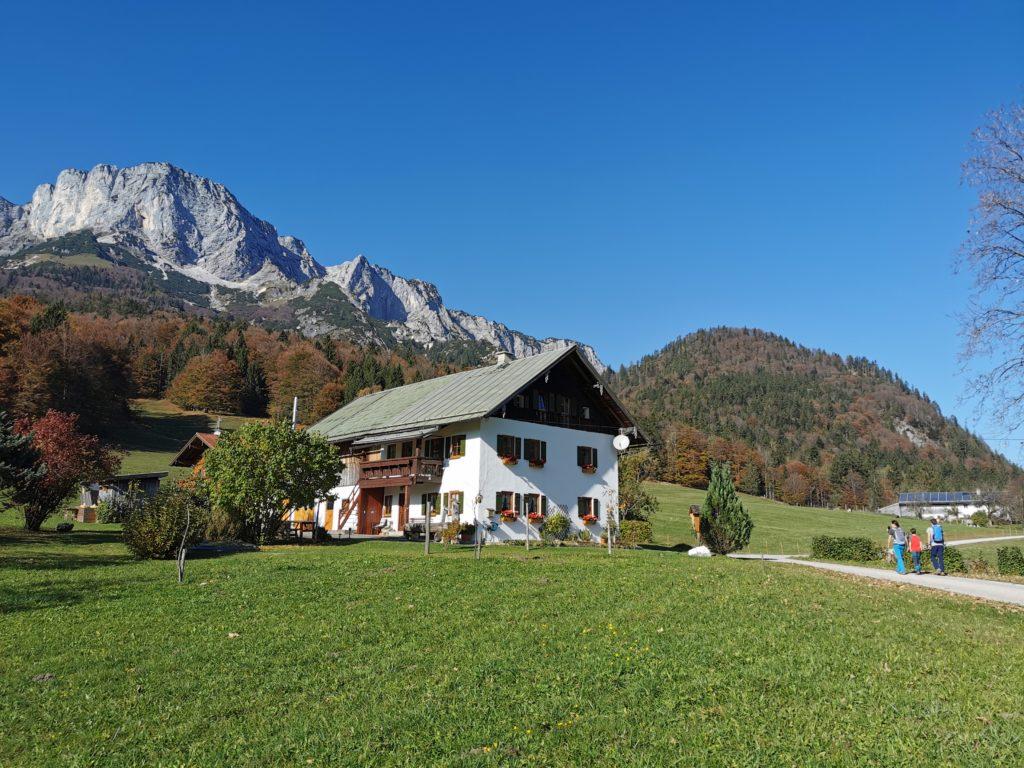 Ettenberg wandern mit Kindern - mit Blick auf den Berchtesgadener Hochthron