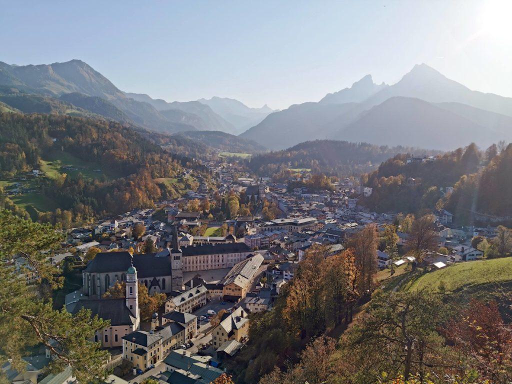 Schönster Blick über die Berchtesgaden Sehenswürdigkeiten: Am Lockstein