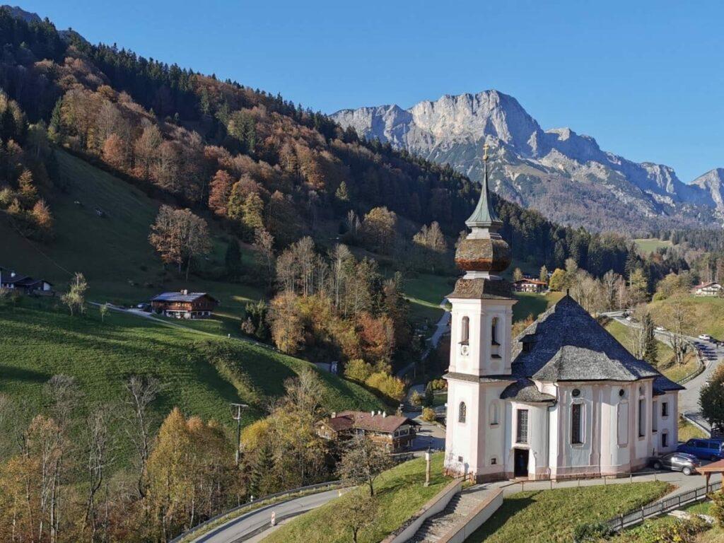 Eine der bekanntesten Berchtesgaden Sehenswürdigkeiten: Die Maria Gern Kirche